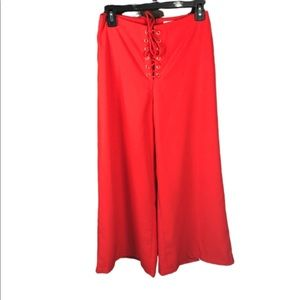 DO + BE CROP PANT RED FLARE LACE FRONT